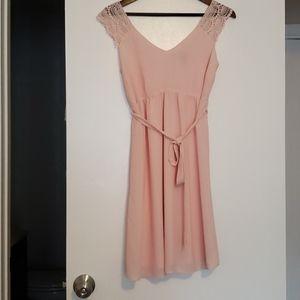 Adorable peach colored maternity dress